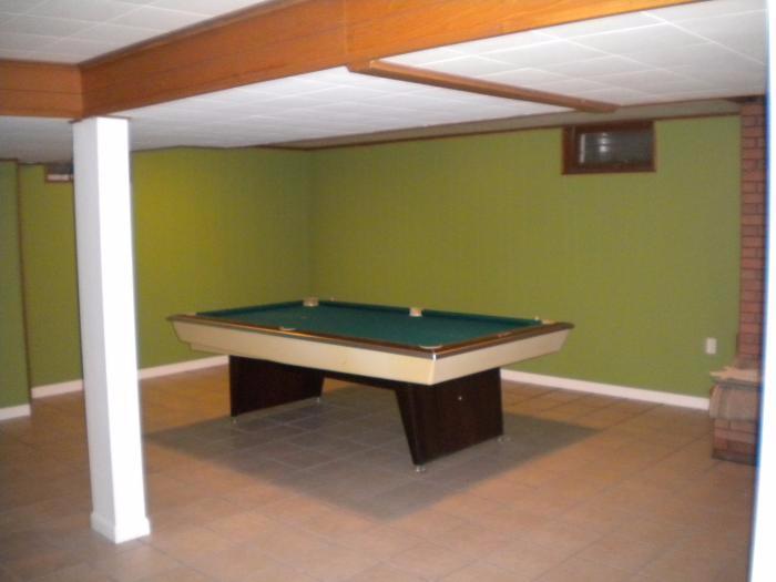 Blackhawk Rd Rock Island IL Military Housing AHRN - Blackhawk pool table