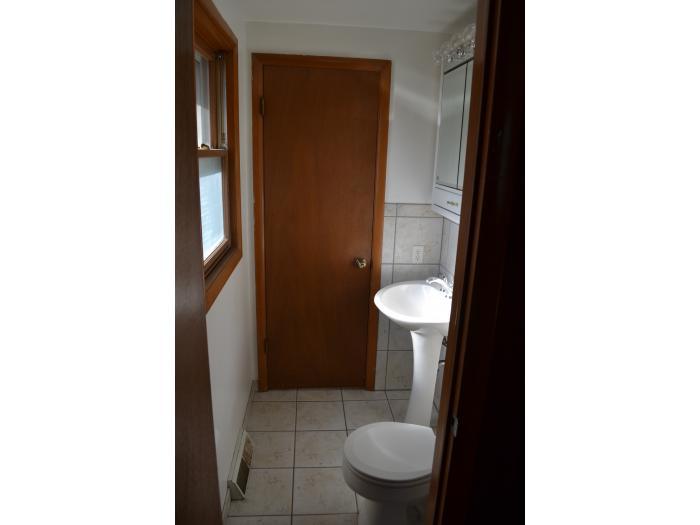 newly remodel half bathroom